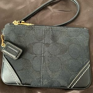 Coach Signature Corner Zip Wristlet in Black